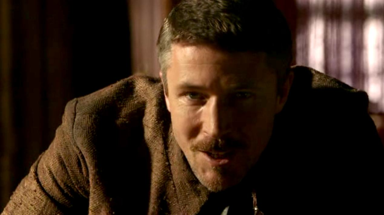 Littlefinger (Aidan Gillen) in GOT 1x07