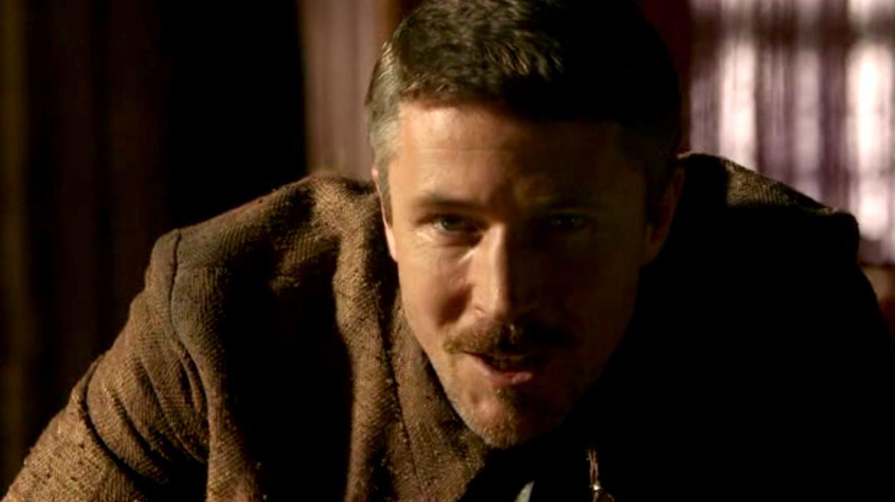 Littlefinger (Aidan Gillen) in GOT 1x07