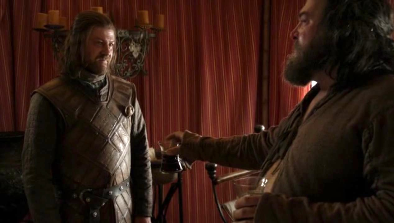 Ned (Sean Bean) and Robert (Mark Addy) in GOT 1x05