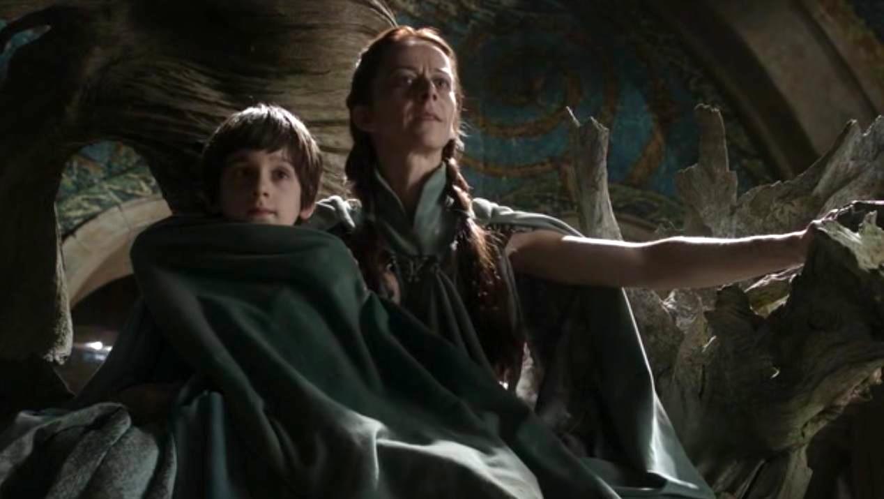 Robin (Leno Facioli) and Lysa (Kate Dickie) in GOT 1x05