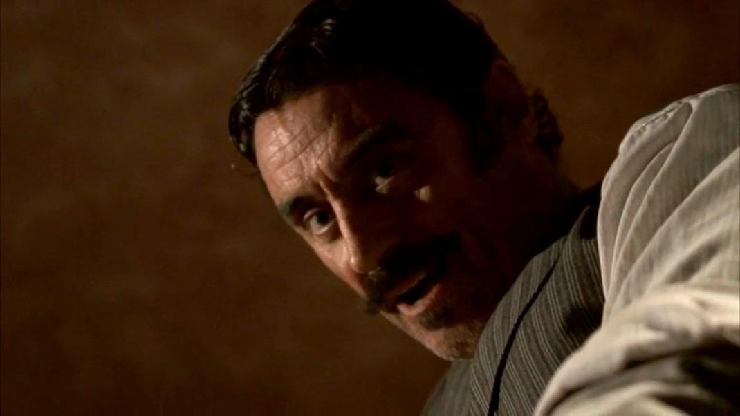 Al Swearengen (Ian McShane) in DEADWOOD 1X01