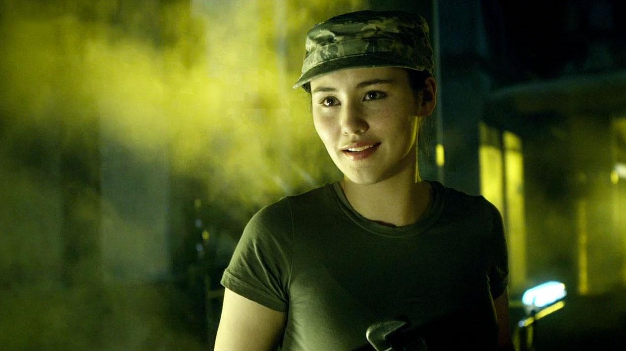 Lorna-Bucket-(Christina-Chong)-in-A-Good-Man-Goes-to-War