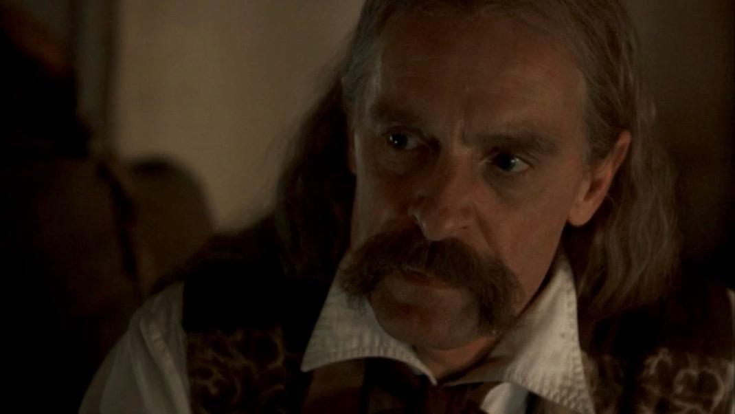Wild Bill (Keith Carradine) in DEADWOOD 1x04