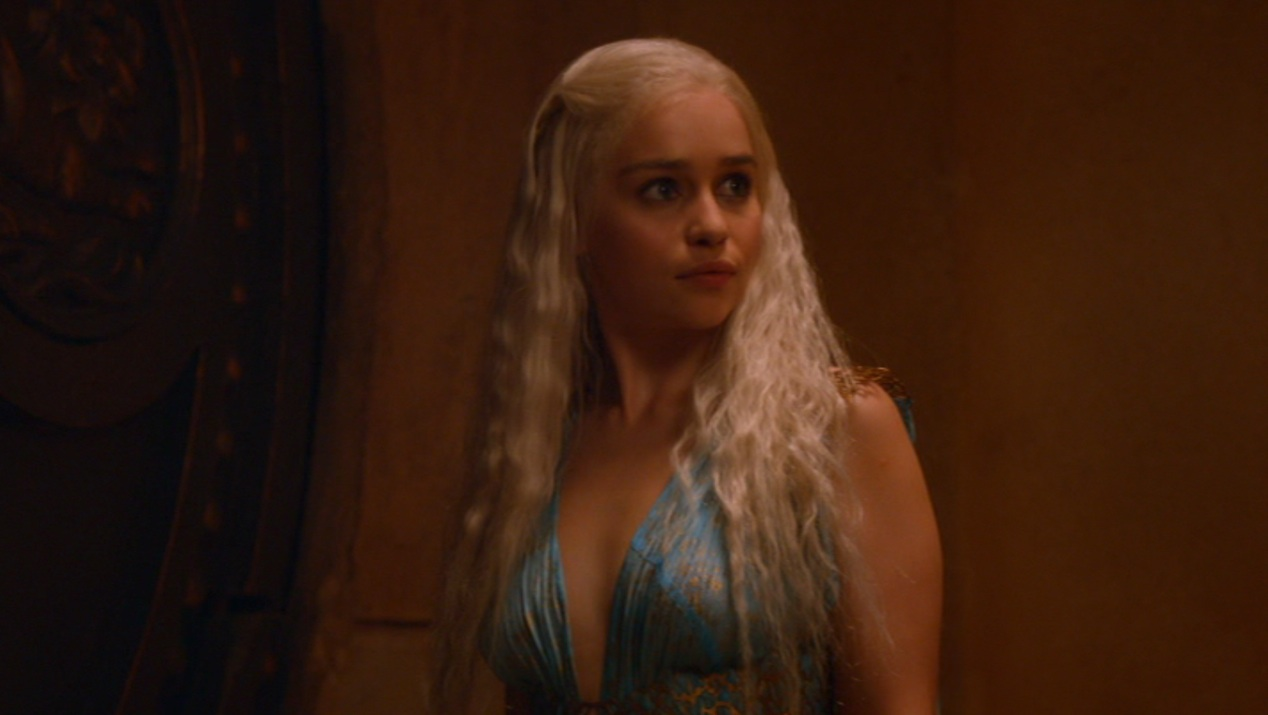 Daenerys (Emilia Clarke) in GOT 205