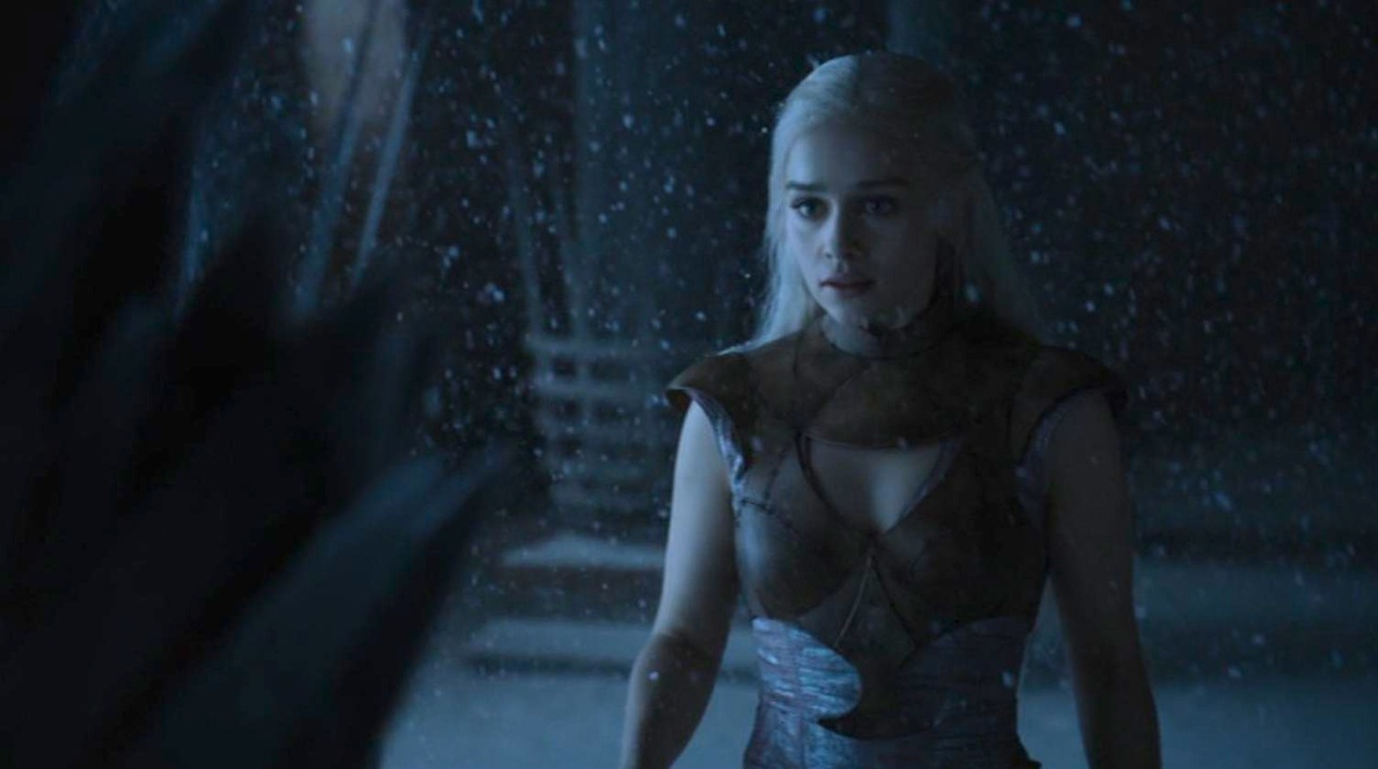 Daenerys (Emilia Clarke) in GOT 210