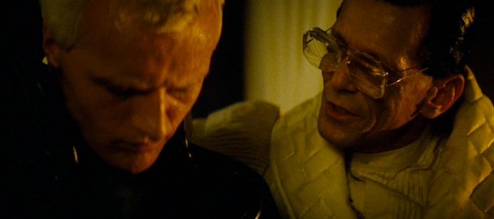 Roy (Rutger Hauer) and Tyrell (Joe Turkel)