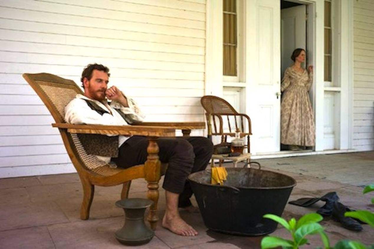 Michael-Fassbender-and-Sarah-Paulson-in-12-YEARS-A-SLAVE