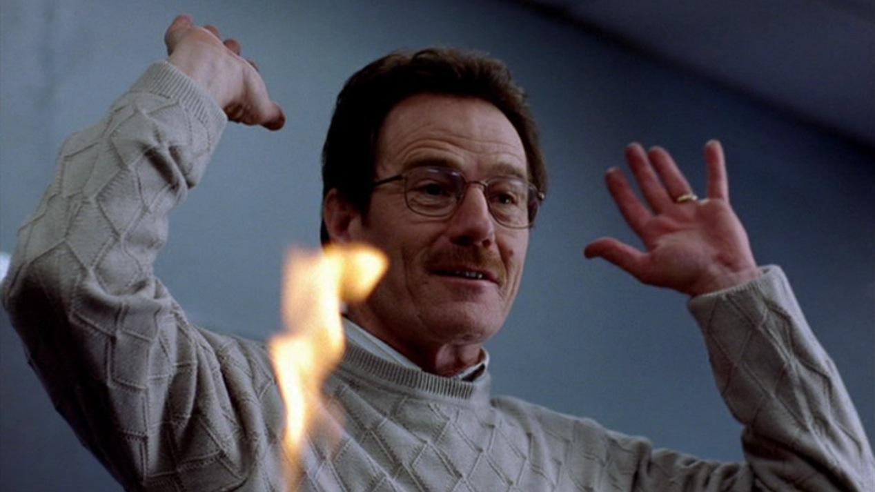 Walter White (Brian Cranston) in Breaking Bad 1x01