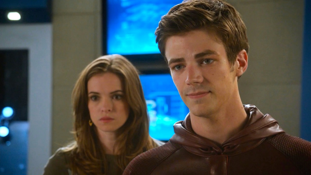 Danielle Panabaker and Grant Gustin in THE FLASH