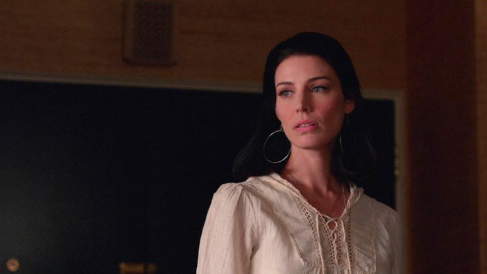 Megan Calvet (Jessica Pare) in New Business