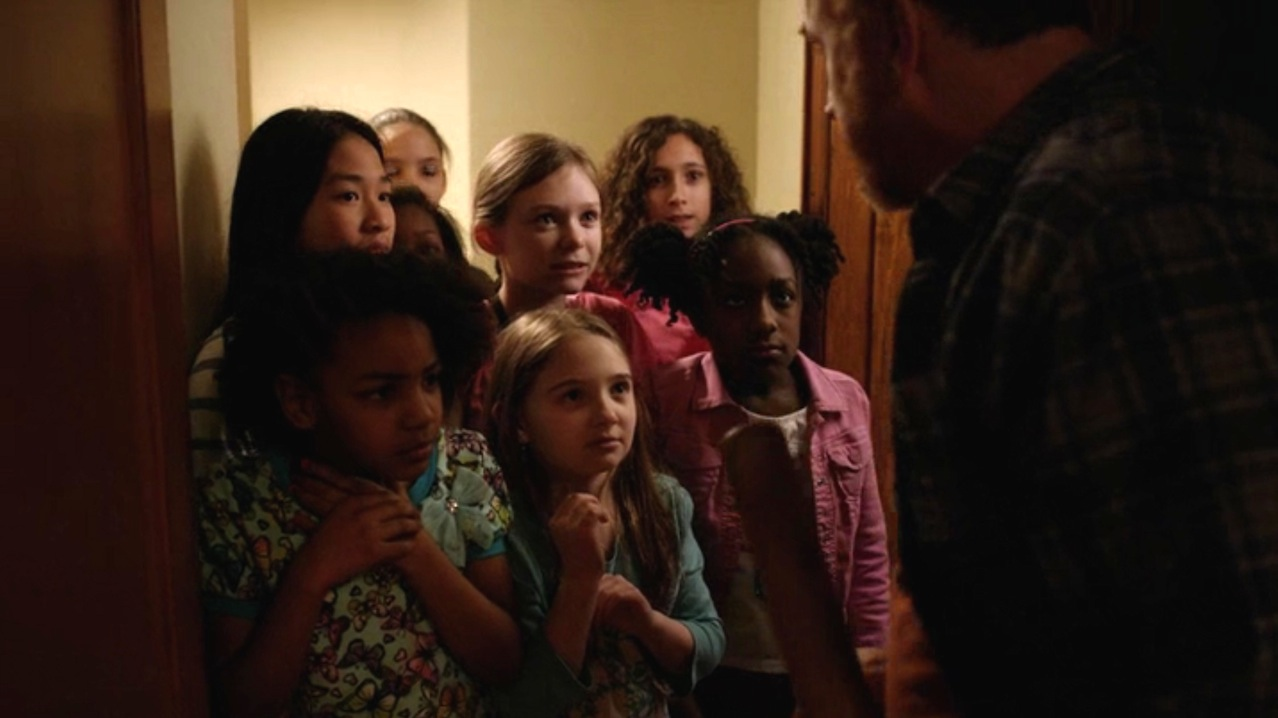 LOUIE 5x05 - Sleepover