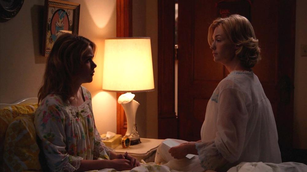 Sally (Kiernan Shipka) and Betty (January Jones) in The Milk and Honey Route