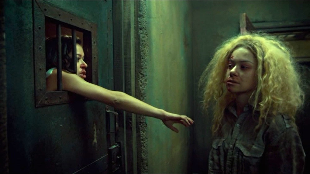 Sarah and Helena in Orphan Black 3x05