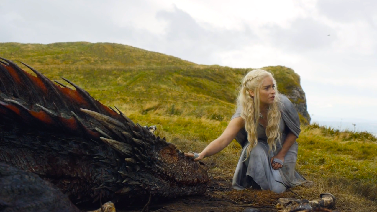 Drogon and Dany (Emilia Clarke) in Game of Thrones 5x10
