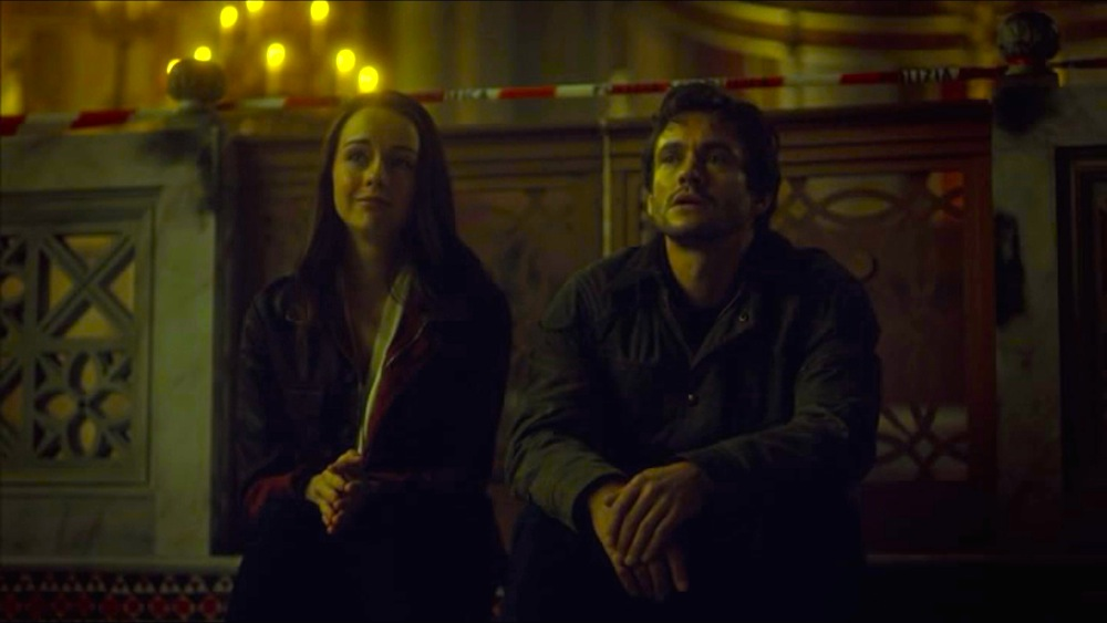 Kacey Rohl and Hugh Dancy in HANNIBAL 3x02