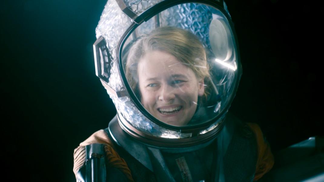 Ellie (Katie Brayben) in Oxygen