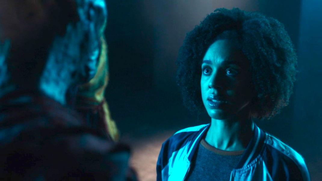 The Monk and Bill (Pearl Mackie) in The Pyramid at the End of the World