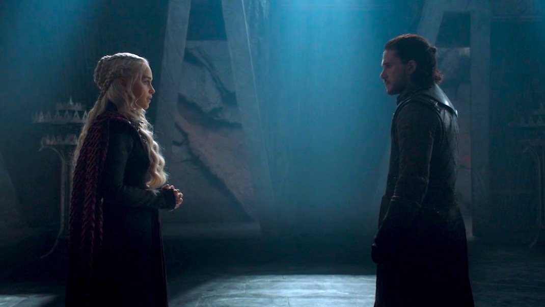Emilia Clarke and Kit Harington in GOT 7x03 - The Queen's Justice