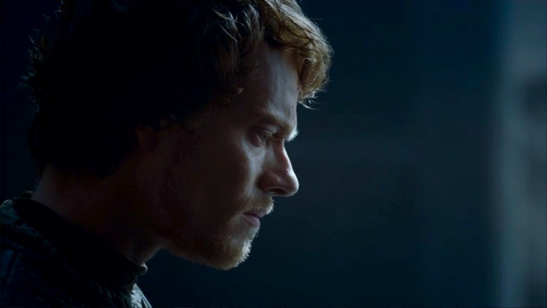 Theon Greyjoy in GOT 7x07 - The Dragon and the Wolf