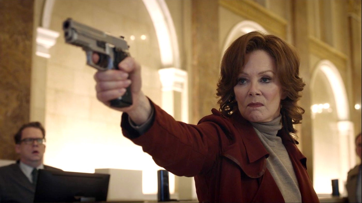 Agent Blake (Jean Smart) in WATCHMEN 1x03