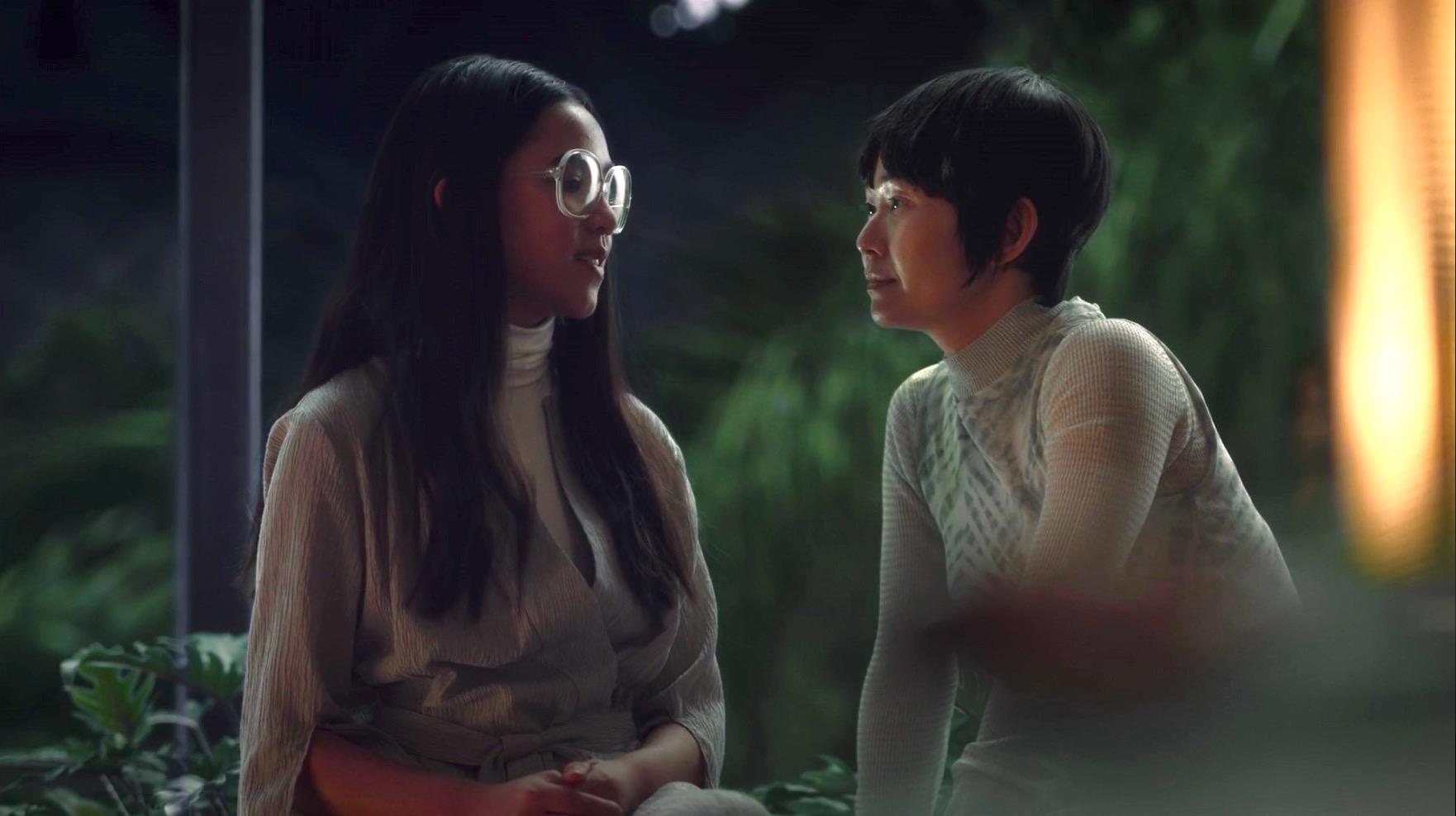 Jolie Hoang-Rappaport and Hong Chau in WATCHMEN 1x04