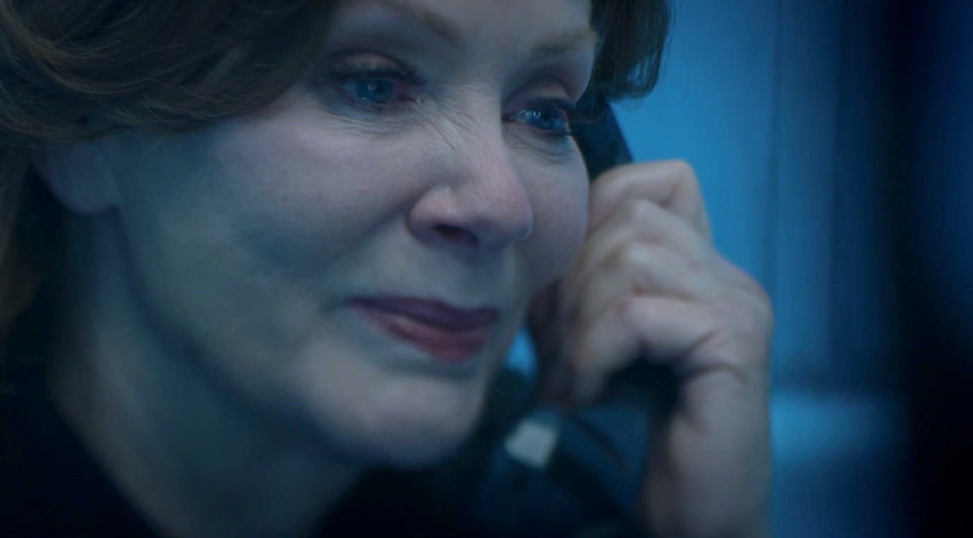 Laurie Blake (Jean Smart) in WATCHMEN 1x03