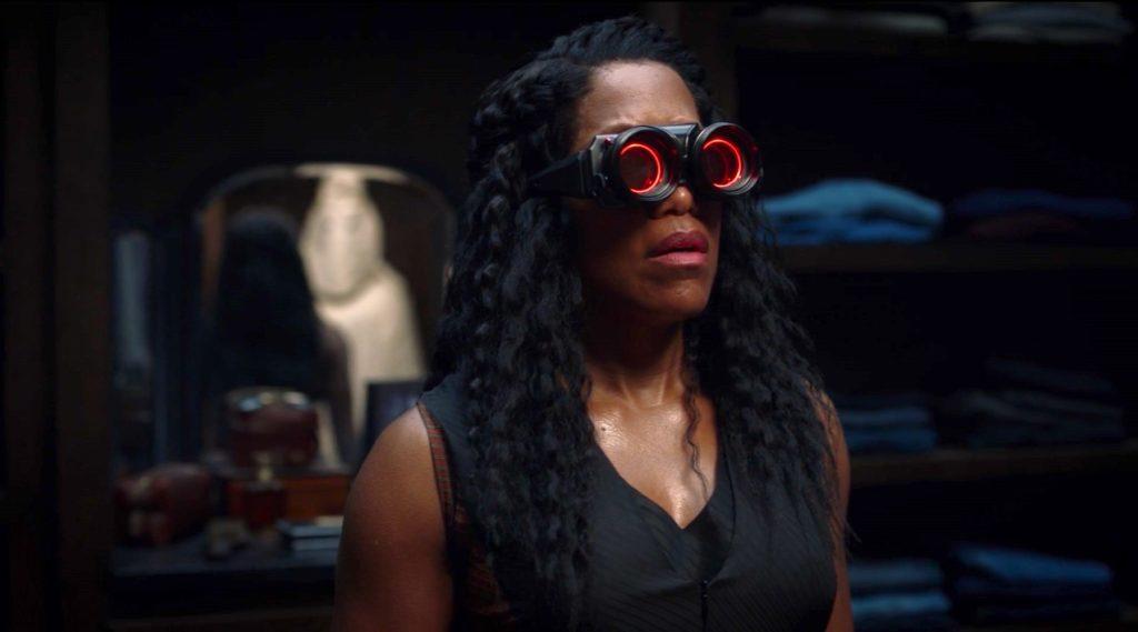 Regina King in WATCHMEN 1x02