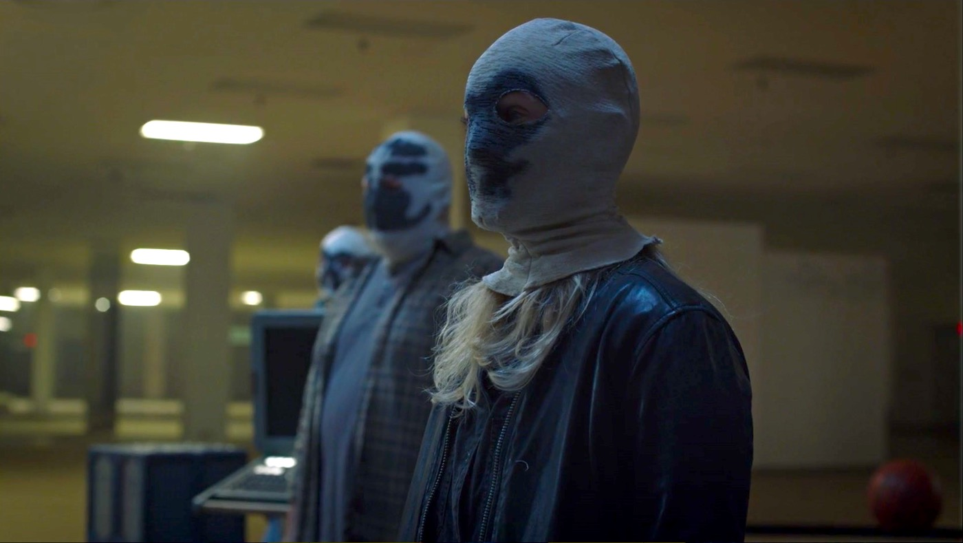 Renee and the Seventh Kavalry in WATCHMEN 1x05