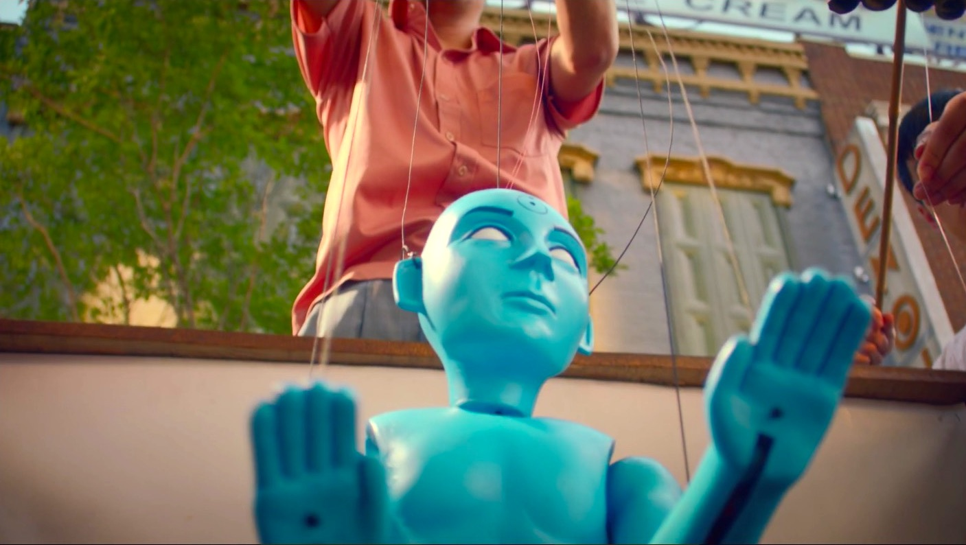 Dr. Manhattan Puppet in WATCHMEN 1x07