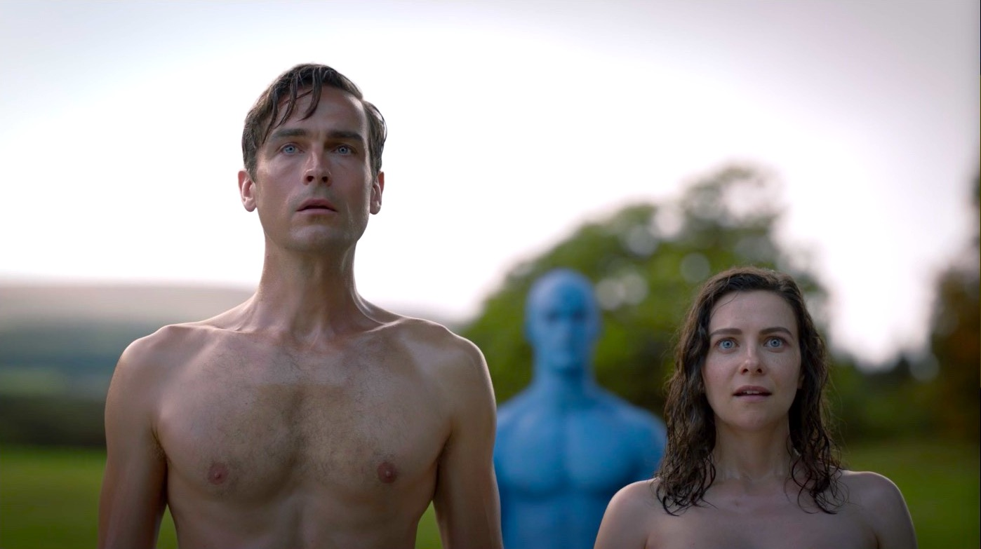 Tom Mison and Sara Vickers in WATCHMEN 1x08