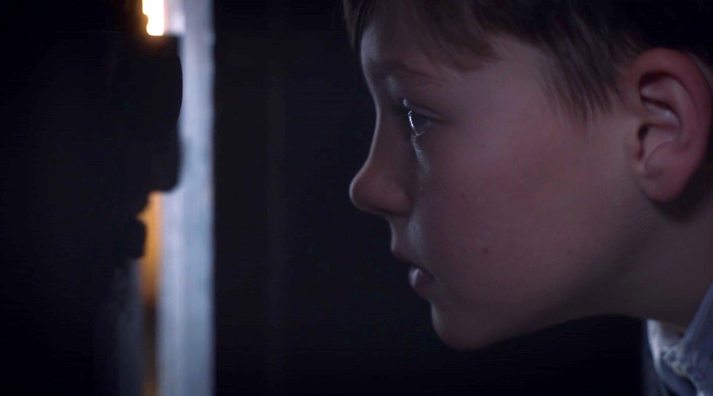 Young Jon Osterman (Zak Rothera-Oxley) in WATCHMEN 1x08