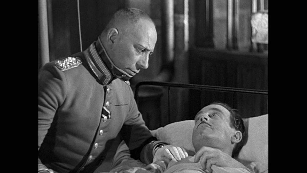 Rauffenstein and Boeldieu on his death bed in GRAND ILLUSION
