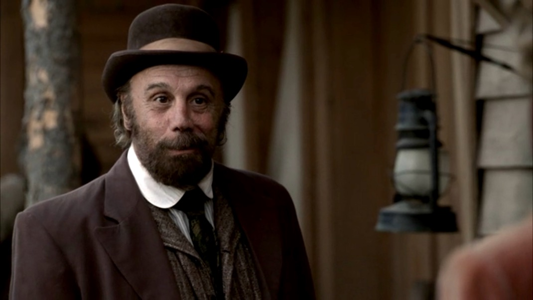 Charlie Utter (Dayton Callie) in DEADWOOD 1x09
