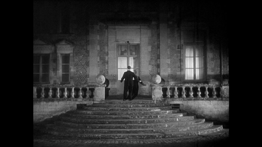 Octave (Jean Renoir) in THE RULES OFTHE GAME