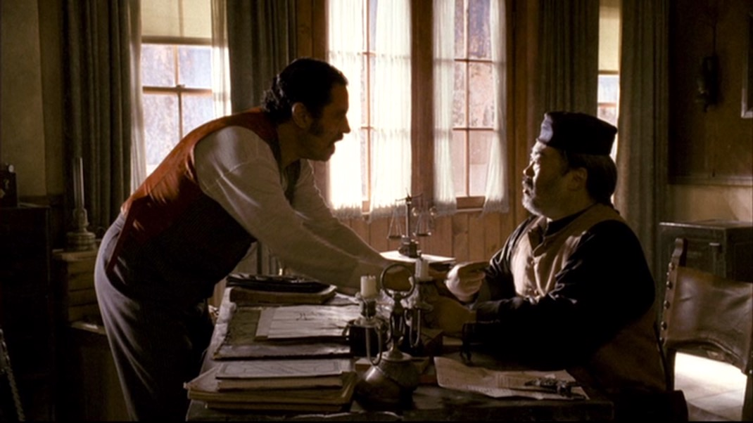Swearengen and Wu in DEADWOOD 1X10 - Mister Wu