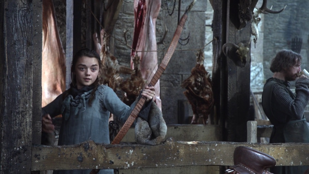 Arya (Maisie Williams) in GOT 1x01 - Winter is Coming