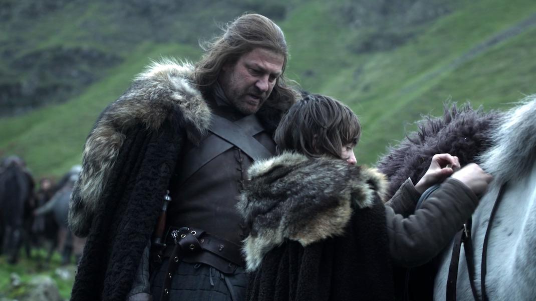 Arya and Sansa in GOT 1x01